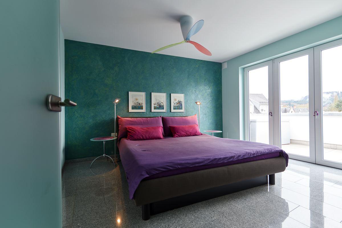 Schlafzimmer in Petrol – Maler Wilhelm